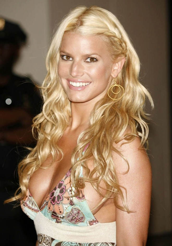 jessica simpson side boob
