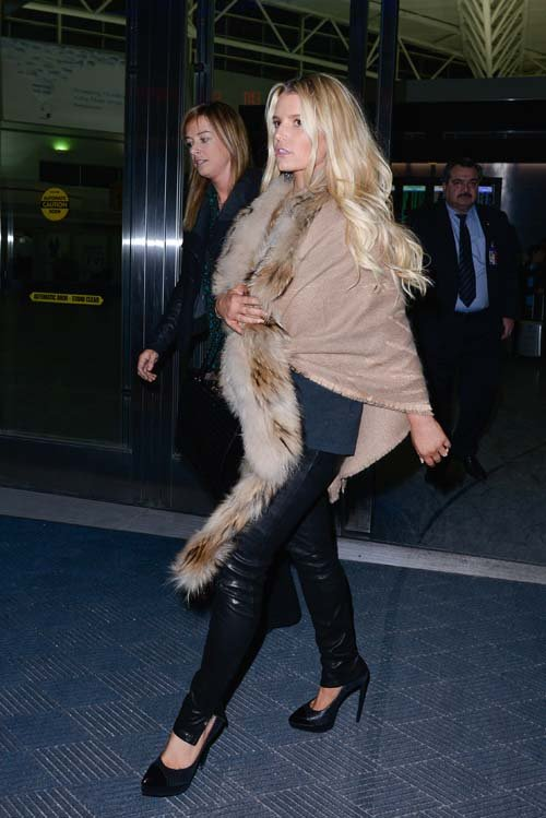 jessica simpson at JFK